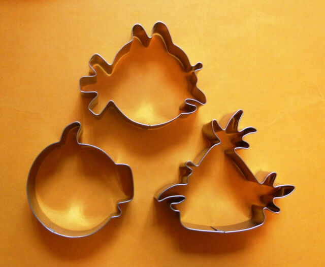 Angry Birds (Red Bird/Green Pig/Yellow Bird) Biscuit Cookie Cutter Set