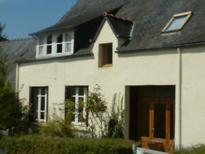 5-BEDROOM-TRADITIONAL-RENOVATED-DETACHED-STONE-COTTAGE-IN-BRITTANY-FRANCE