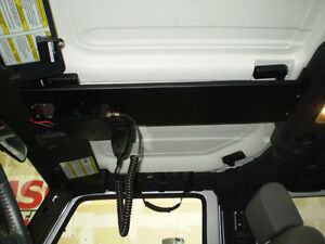 Belli moreover Jk Jeep Fuel Can Mounts as well Cb furthermore Windshield Cb Radio Mount 03 06 Jeep Wrangler Tj moreover 251106422131. on tj cb radio
