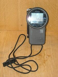 Vintage-Sony-Watchman-Portable-Battery-Powered-TV-Television-FD-250-Works