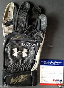 KYLE-BLANKS-Signed-Game-Used-Under-Armour-Glove-MATT-ANTONELLI-PSA-DNA-Autograph