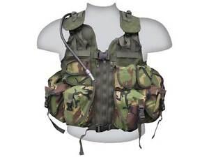 Ultimate-Military-Combat-Assault-Vest-Dpm-with-Aqua-Bladder-SAS-Army