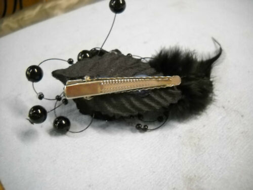 1 NEW FLOWER//FEATHER//BEADS HAIR PIECE W//ALLIGATOR CLIP