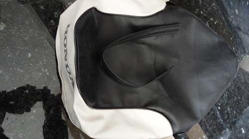 Honda C70 Passport 1980-1982 Seat saddle COVER Black//White H2599