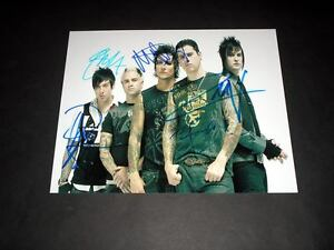 AVENGED-SEVENFOLD-PP-SIGNED-10-X8-PHOTO-REPRO