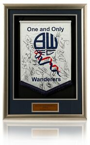 BOLTON-WANDERERS-2010-11-Squad-Hand-Signed-Pennant-NEW