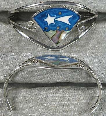 Sterling Silver~Real Nice Wire Design Bracelet With Mother of Pearl Inlay