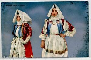 COSTUMI-SARDI-SARDEGNA-Sennori-Donne-in-costume-tradizionale-PC-circa-1910