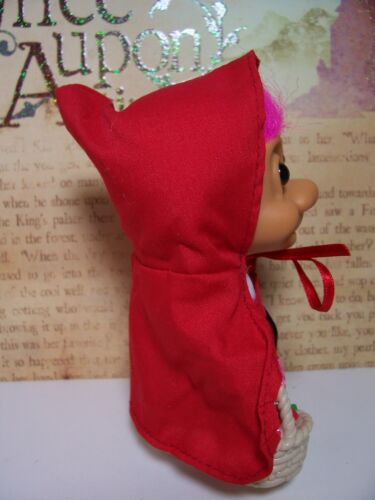 """NEW IN ORIGINAL WRAPPER LITTLE RED RIDING HOOD 5/"""" Russ Storybook Troll Doll"""