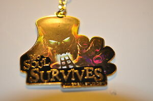 NEW-KEYRING-UNIVERSAL-STUDIOS-NO-SOUL-SURVIVES