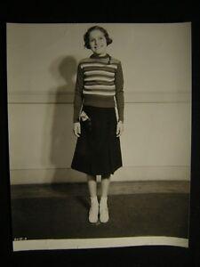 30s-Candid-Alice-Jane-Mchenry-Upside-Down-Stomach-Surgery-Girl-PHOTO-421U