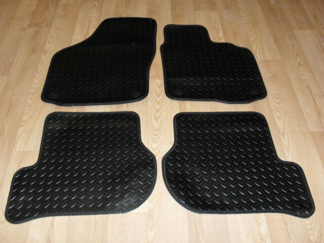 VW Golf mk6 2009-on Fully Tailored RUBBER Car Mats in Black.