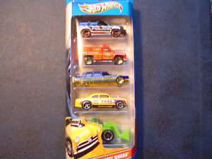 Hot-Wheels-Police-K-9-Fire-Rescue-City-Mayor-Limo-Shoe-Box-Taxi-Loader-NEW