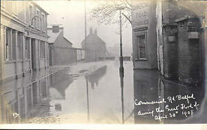 Bedford-Commercial-Road-during-the-Great-Flood-of-1908-by-Blake-Edgar-13