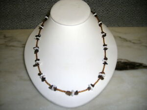 Mens-tiger-and-white-coral-pucca-shell-necklace