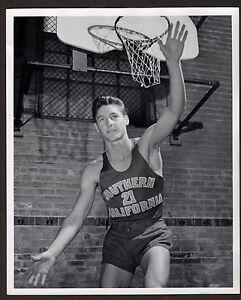c. 1948 BILL SHARMAN Basketball Photo USC