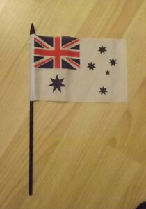 AUSTRALIA-WHITE-ENSIGN-4-X-HAND-FLAGS-4inch-X-6inch-WITH-FREE-UK-POSTAGE