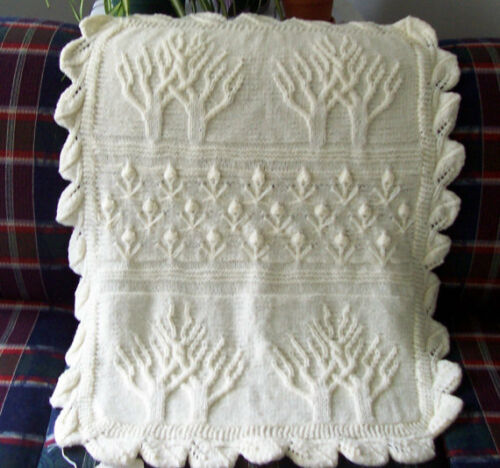 Aran Tree Pattern Baby Blanket With Tulip Bud Border 26 X 34