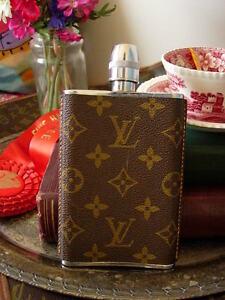 Amazing-RARE-Vintage-LOUIS-VUITTON-English-Flask-LV-Monogram-Cocktail-Barware