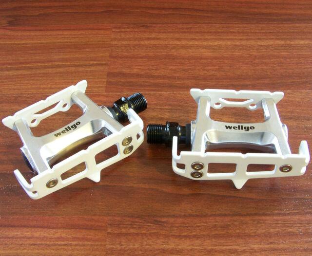 WELLGO R025 WHITE PEDALS TRACK FIXED FIXIE BIKE
