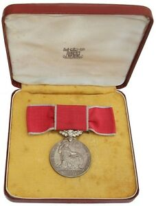 ELIZABETH-E-II-R-BRITISH-EMPIRE-MEDAL-CIVIL-TO-MISS-HILMA-JENKINS-amp-CASE