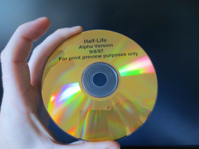 RARE WORKING CD Half-Life Alpha Version 9/8/97 NO RESERVE