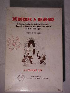 Dungeons-amp-Dragons-Original-Collectors-Edition-3-Volume-Set-Gygax-Arneson-RARE