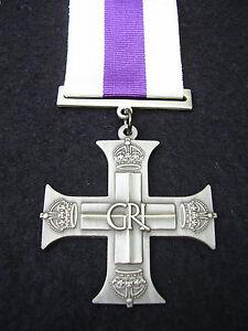 BRITISH-ARMY-PARA-SAS-RAF-RM-SBS-GR1-Military-Cross-Gallantry-MC-Medal-Ribbon