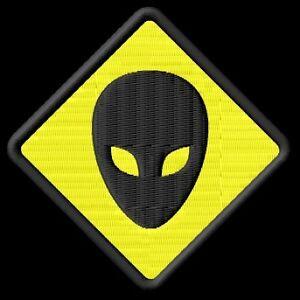 Alien-Parche-bordado-iron-on-patch