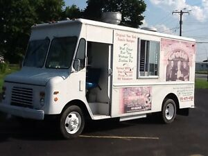 Mobil-food-truck-Pizza-Truck-mobile-catering-kitchen-truck