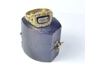 SUPERB-ANTIQUE-ENGLISH-18K-GOLD-ENAMEL-HAIR-MOURNING-LOCKET-RING-1825-BOXED
