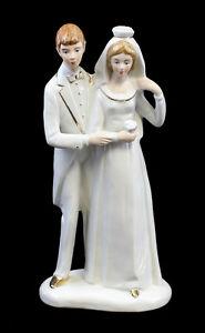 9942345-Porcelain-Figurine-Bride-and-Groom-Bride-Wedding-Wagner-amp-Apel-H22cm