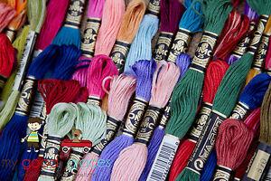 Lot-of-100-DMC-embroidery-floss-thread-skein-Friendship-Bracelet-Needlepoint