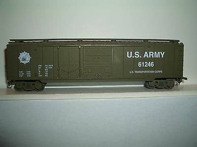 HO IHC US ARMY BOX CAR 61246 IN OLIVE DRAB 50 FT/CAR IS ONE OF SET 8 M1666