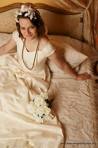 Historisches Brautkleid Hochzeitskleid historisch Brokat creme 50er Jahre Kleid