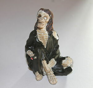 Skeleton-Pirate-Figure-a-Weird-and-Bizarre-Birthday-Present-Gift-Ornament