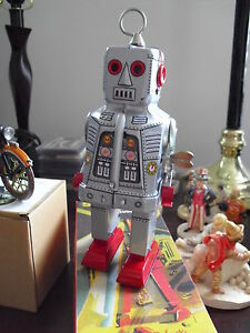 "Unique Modern Tin Wind-Up Mechanical Space Robot 7 1/2"" MIB MS403"