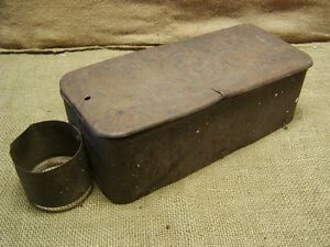 Vintage-IHC-Tractor-Toolbox-Antique-Old-Iron-Farm