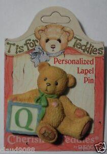 """CHERISHED TEDDIES  """"PERSONALIZED - LAPEL PIN LETTER  'Q'""""  203297Q  MINT"""