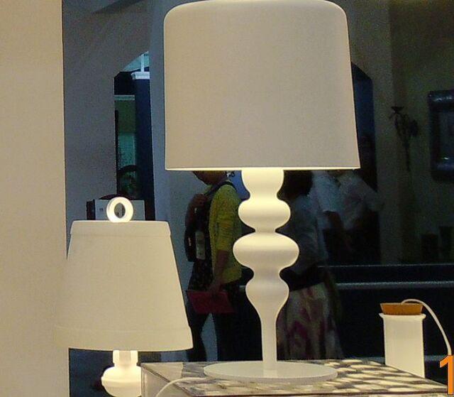 New Fashion Classic Simple Luxurious Originality Aluminum White Table Lamp