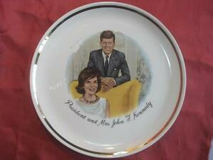 1960s-ANTIQUE-PORCELAIN-PLATE-DISH-J-F-KENNEDY-FAMILY