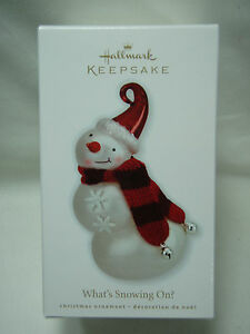 2010-Hallmark-Keepsake-Ornament-What-039-s-Snowing-On