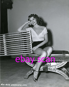RITA-HAYWORTH-8X11-Photo-B-W-SEXY-LEGGY-BUSTY-PORTRAIT-1940s-CRONENWETH