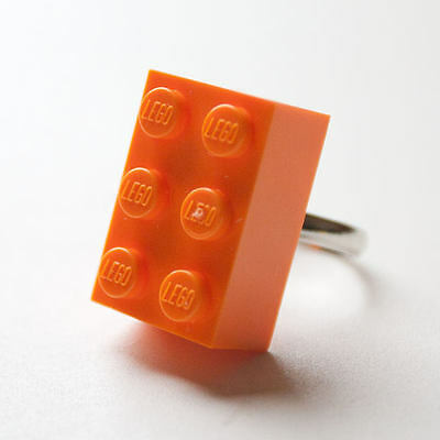 KITSCH FUNKY 80S RETRO VINTAGE STYLE MEDIUM ORANGE LEGO BRICK RING