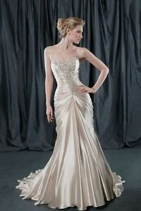 New-Wedding-Dress-Evening-Gown-A-Line-Ball-Gown-Prom-Gown-Satin-Custom-Made-D983