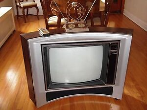 VINTAGE-ZENITH-SPACE-COMMAND-SYSTEM-COLOR-TV-TELEVISION-25-034-WITH-REMOTE-1980-039-S