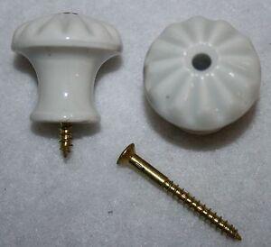 Porzellanknopf-weiss-31-mm-Durchmesser-Beschlag-Knof