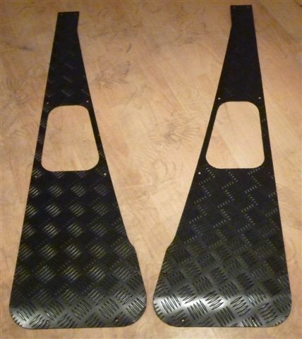 LAND ROVER DEFENDER 90/110 BLACK CHEQUER WING TOPS  *** BRAND NEW, BOXED ***