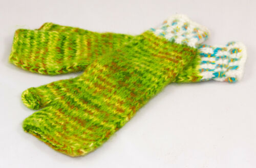 Arm warmers fairly traded from Bolivia hand knitted