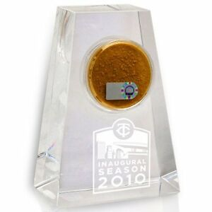 Minnesota Twins Game Used Dirt/Target Field Crystal Display Inaugural Season!MLB